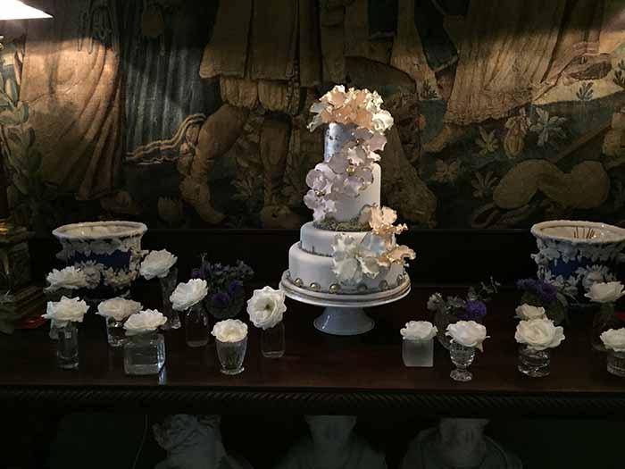 exclusive wedding venue - Wedding cake