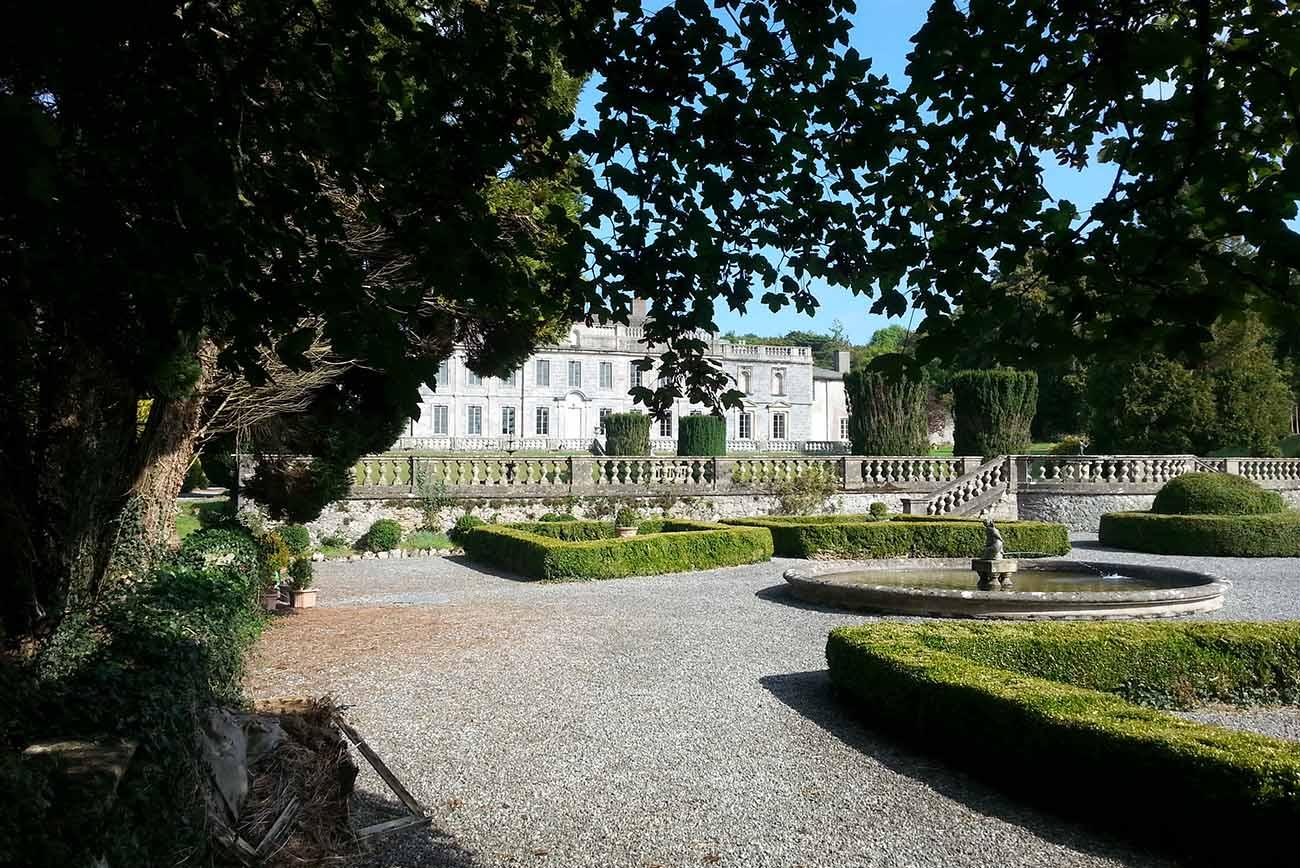 exclusive wedding and party venue - gardens